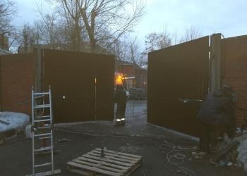 Смонтированы распашные ворота 6000х3000 мм VOROTA-MASTERS