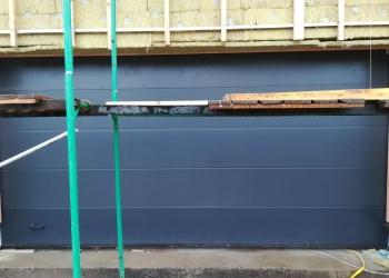 Изготовление и монтаж под ключ подъемных ворот ALUTECH 5000х2500 мм в Москве